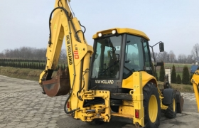 NEW HOLLAND LB 110, 2003 rok